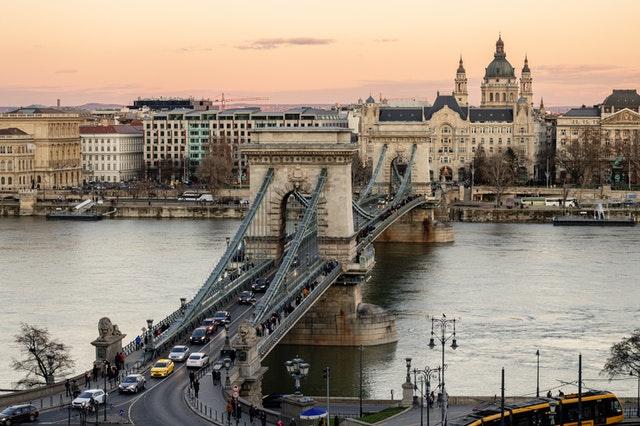 pexels-budapest.jpg